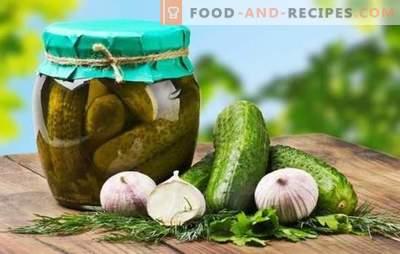 Kraukšķīgie ziemas gurķi: kā marinēt? Aizveriet kraukšķīgus ziemas gurķus ar etiķi un bez, ar ozola lapu un priežu zariem, ar piparmētru un ābolu sulu