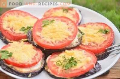 Stekt äggplantor med tomater och ost
