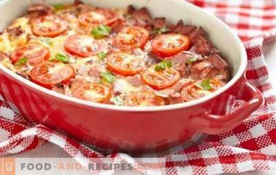 Casserole with tomatoes - bright summer on your table. What vegetables and sauces are used for casseroles with tomatoes