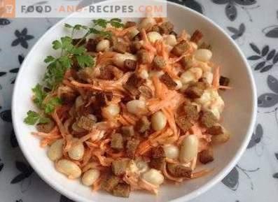 Салати со крекери и грав